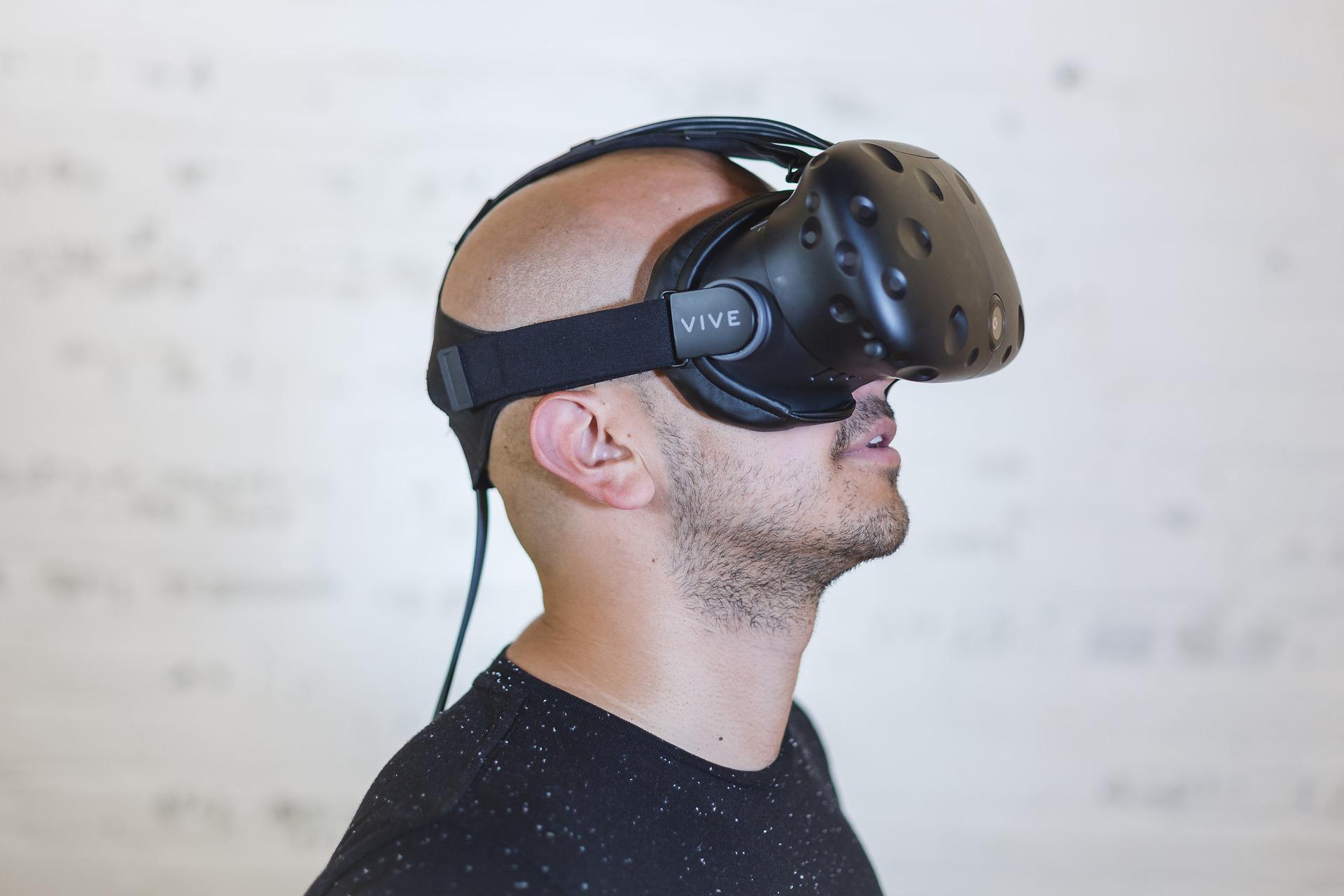 Wirtualna rzeczywistość — przyszłość cywilizacji czy filmowe mrzonki?