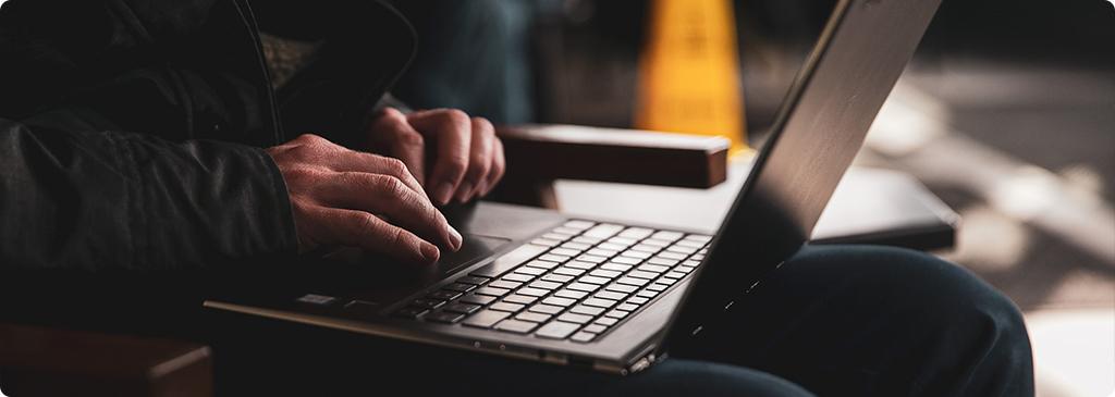 4 szkodliwe nawyki, których pozbędziesz się dzięki inwestycji w power bank do laptopa