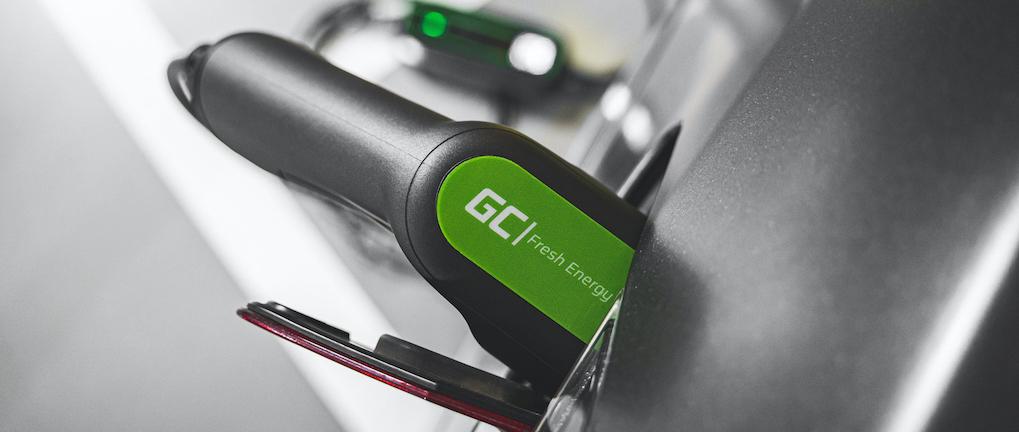 ładowanie samochodu elektrycznego wdomu