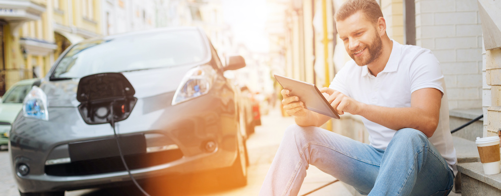 Jak dbać o akumulator w samochodzie elektrycznym? 5 rzeczy, o których musisz pamiętać