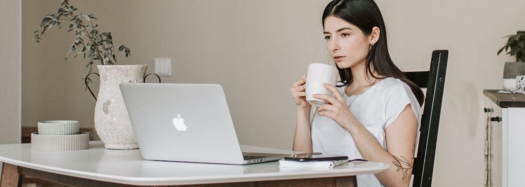 Zalany MacBook. Jak uratować laptop?