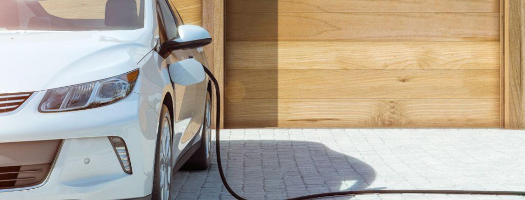 Jak dobrać moc ładowarki samochodowej? Wskazówki eksperta