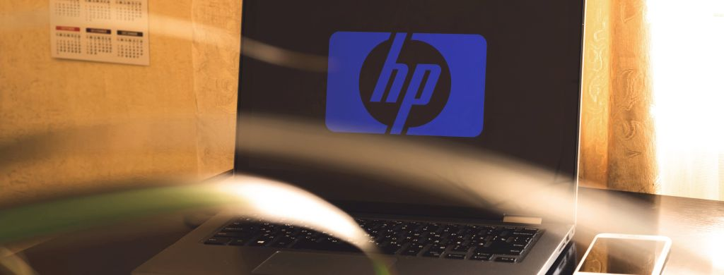 laptop HP nabiurku