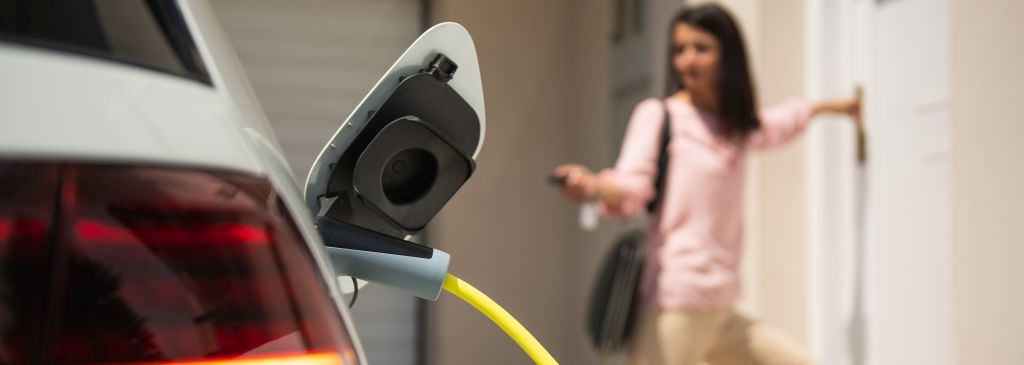 Jak długo trwa ładowanie samochodu elektrycznego? Poznaj dostępne sposoby ładowania