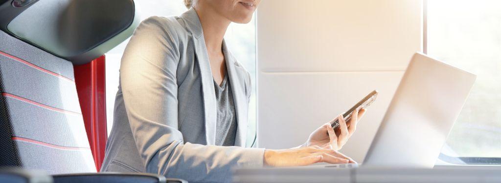 6 elektronicznych gadżetów dla osób pracujących poza biurem