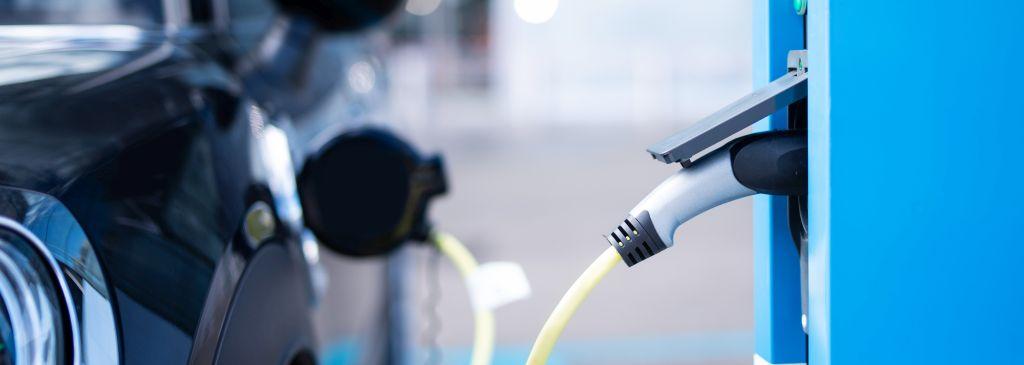 Stacje do ładowania samochodów elektrycznych i ich sposoby rozliczeń