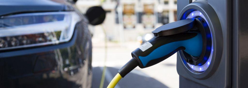 stacja ładowania samochodów elektrycznych koszt