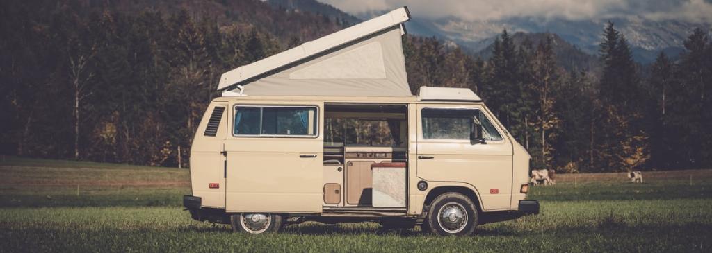3 akcesoria, które warto wziąć ze sobą na wycieczkę kamperem