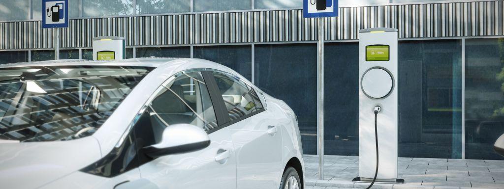 gdzie naładować samochód elektryczny - stacja