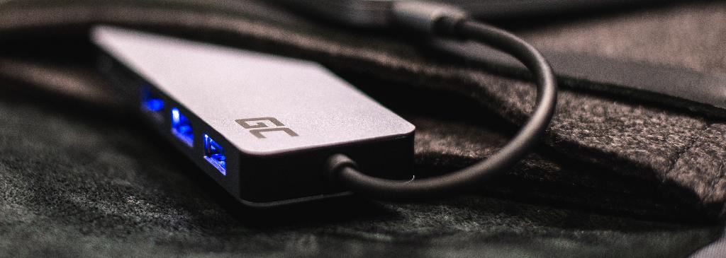 Adapter do laptopa – do czego jest przydatny?