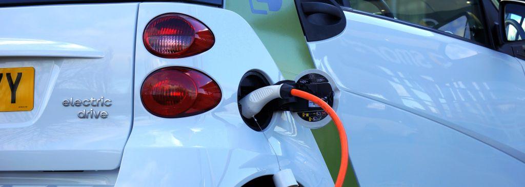 ile kosztuje samochód elektryczny