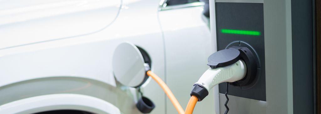 Jak się ładuje samochód elektryczny?