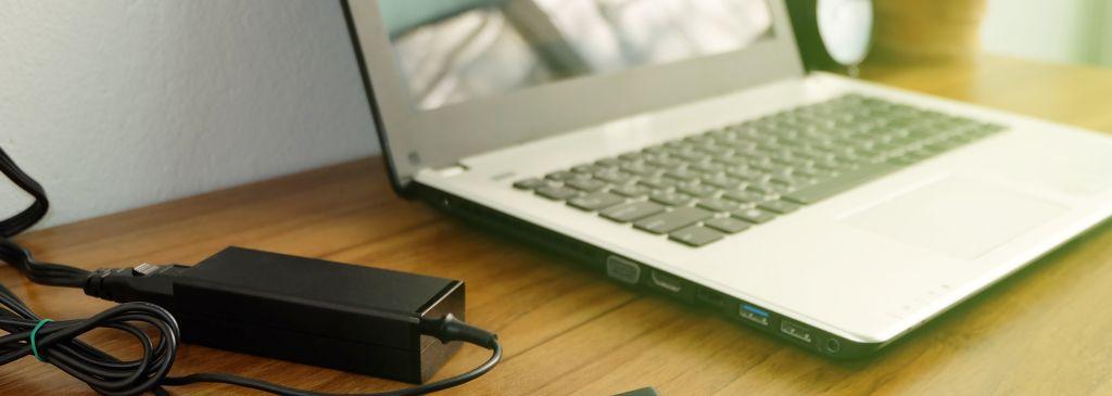 Nowa bateria do laptopa – jak używać, aby służyła jak najdłużej?